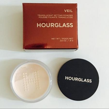 Hourglass Veil Translucent Setting Powder .jpg